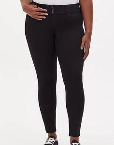 Size 16 new torrid black high rise skinny jegging